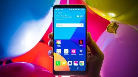 La última disyuntiva smartphone: queremos pantallas más grandes en móviles más pequeños