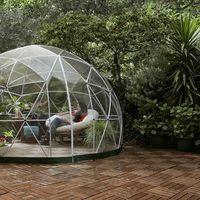 """El """"glamping"""" llega al jardín de casa con este iglú diáfano y chic de Amazon"""