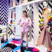 La diseñadora de moda María Escoté viste el escaparate de IKEA temporary DORMITORIOS