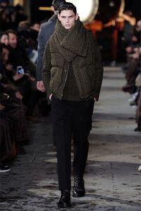 Mihara Yasuhiro Otoño-Invierno 2013 en la Semana de la Moda de París: Elegancia con una vuelta de tuerca