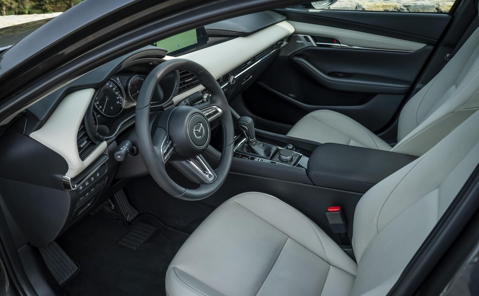 Foto de Mazda3 2019 Sedán (32/40)