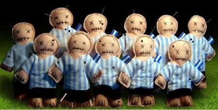 Voodoo Copa, muñecos para brujerías en el Mundial