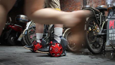 ACTON R RocketSkates, patines motorizados que se manejan por completo desde tus pies