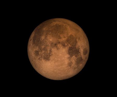 Eclipse total de Luna y superluna azul sangrienta: dónde, cómo y cuándo disfrutar de este especial triplete astronómico