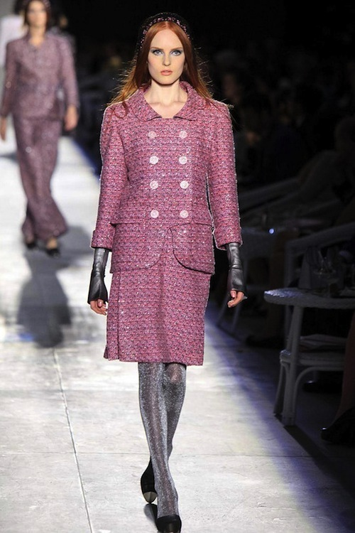 Foto de Chanel Alta Costura Otoño-Invierno 2012/2013: rosa, gris, brillos y nuevo vintage (12/61)