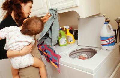 Atención a las cápsulas de detergente: los niños las confunden con golosinas y se intoxican