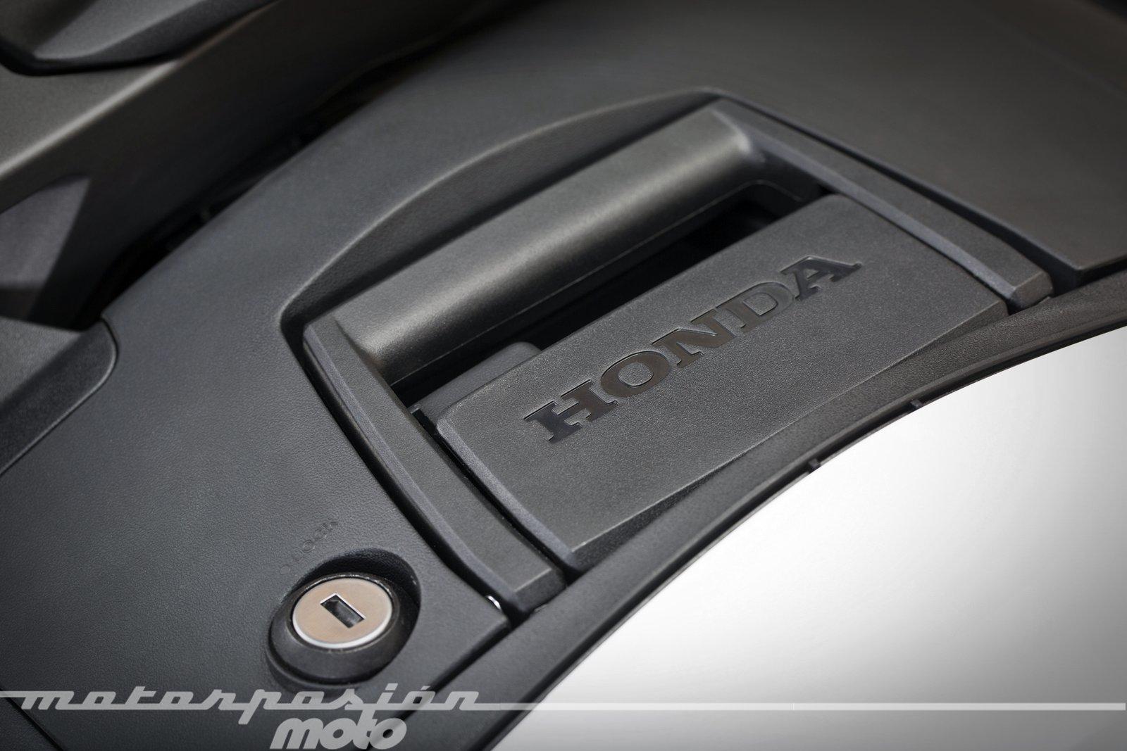 Foto de Honda VFR800X Crossrunner - Detalles (47/56)