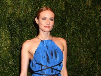 Diane Kruger una diosa griega moderna de azul cobalto