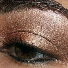 Foto 4 de 5 de la galería look-de-fiesta-ojos-marrones en Trendencias