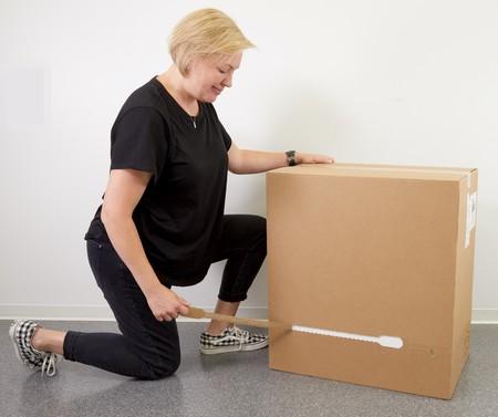 La caja del Mac Pro es tan grande y pesada que tiene consejos oficiales de transporte y apertura