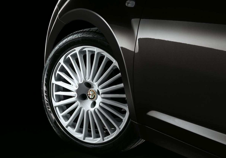 Foto de Alfa Romeo MiTo Junior (6/9)