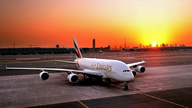 Emirates Airbus A380 Night Landing Dubai 1920x1080