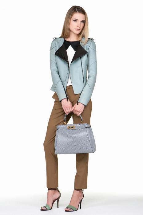 Foto de Fendi Pre-Fall 2012: cuando Karl Lagerfeld busca la eficacia (1/22)