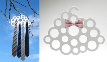 Una percha con forma de nube para accesorios y complementos