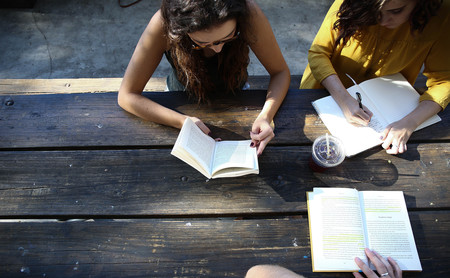 42 cursos gratis que puedes comenzar en julio para aprender una nueva habilidad este verano