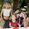 20_Matthew Fox y sus hijos.jpg