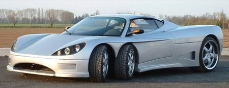 Covini C6W, ¿un coche de seis ruedas a producción en 2009?