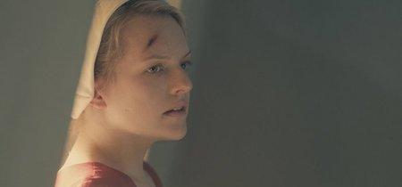 La primera temporada de 'The Handmaid's Tale' entiende la novela y sustituye reflexión por emoción