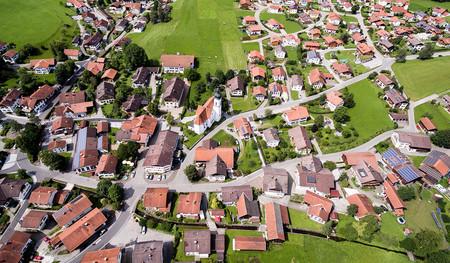 Diseñar barrios periféricos para reducir el uso del coche reduce la desigualdad económica