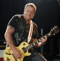 'Guitar Hero III': juega contra Steve Jones