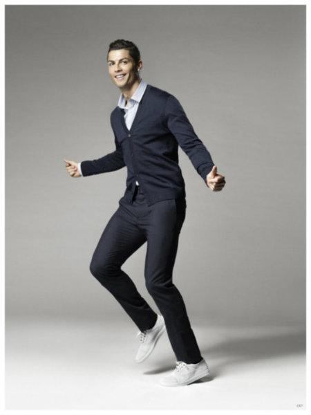 ¿Quieres ver a Cristiano Ronaldo bailando? Pues échale un vistazo a la campaña de su firma CR7