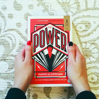 """The Power"", el feminista libro de Naomi Alderman que Amazon adaptará en una serie"