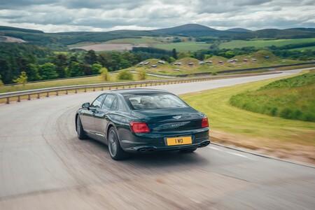 Bentley Flying Spur Hybrid 2021 005