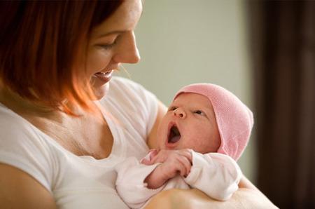 Los recién nacidos amamantados no tienen mayor pérdida de peso