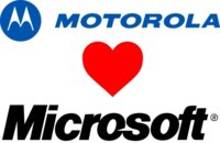 Motorola le abre los brazos a Microsoft con sed de Windows 8