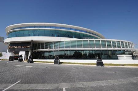 Lexus inaugura un concesionario de 33.000 metros cuadrados en Kuwait