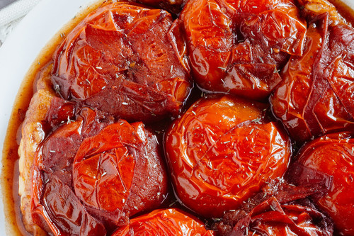 Tarta de jitomate caramelizados con balsámico. Receta vegetariana fácil