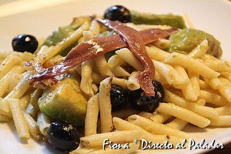 Receta de macarrones con aguacate y anchoas