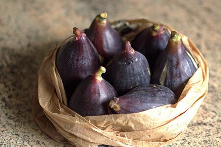 Llega la temporada de brevas: qué son, en qué se diferencian de los higos y cómo aprovecharlas en la cocina
