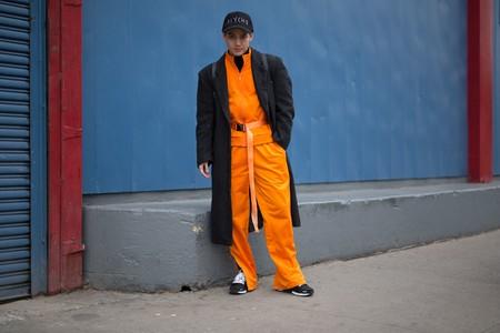 El mejor street-style de la semana entra en alerta naranja como el color must del otoño