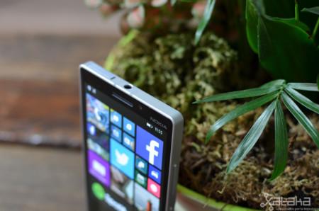 Nokia Lumia 930 detalle marco
