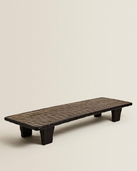 mesa de madera martilleada