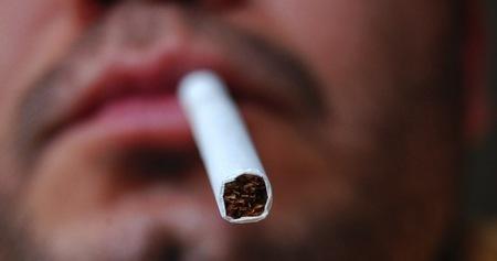Apple anula la garantía de sus ordenadores si hay restos de tabaco en ellos