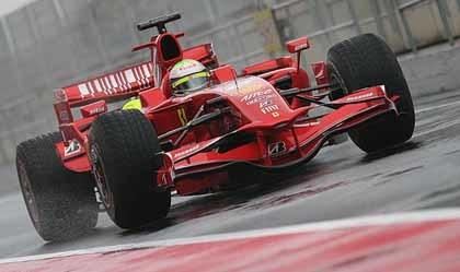 Felipe Massa y el F2008 dominan en Barcelona