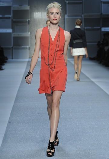 Foto de Karl Lagerfeld, Primavera-Verano 2010 en la Semana de la Moda de París (6/15)