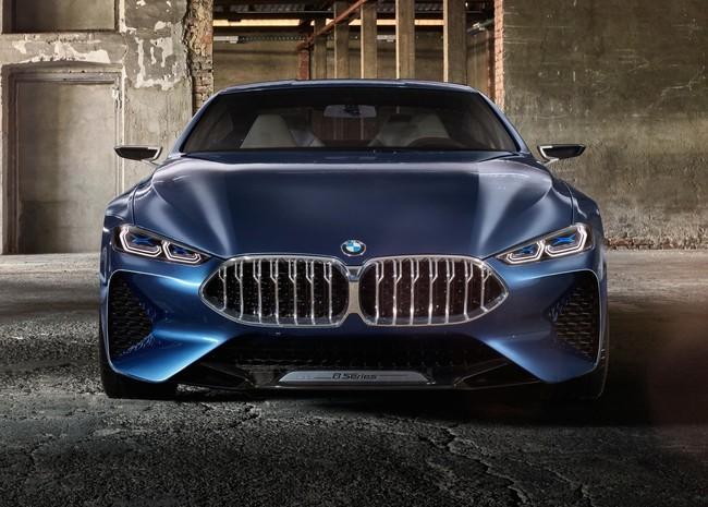 ¡Filtrado! El BMW Serie 8 de producción se pinta de blanco y se quita el camuflaje