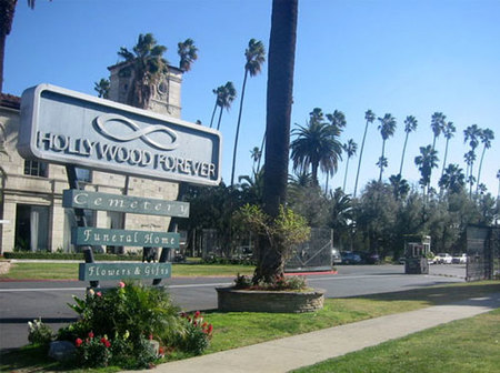 Día de los Muertos en el cementerio de los famosos de Hollywood