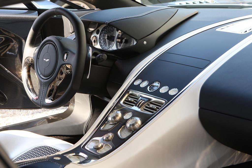 Foto de Aston Martin One-77 (16/20)