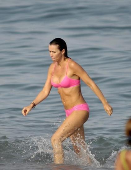 Foto de Famosas en Bikini 2009 - Segunda Parte (26/31)