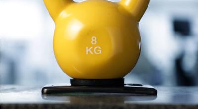 LG G Flex nos muestra cómo es de flexible su pantalla y la autoreparación de su tapa trasera