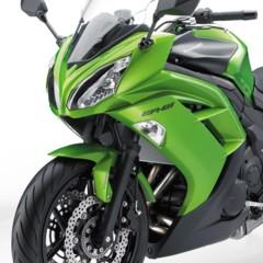 Foto 28 de 52 de la galería kawasaki-er-6f-2012-version-carenada-y-mas-agresiva en Motorpasion Moto