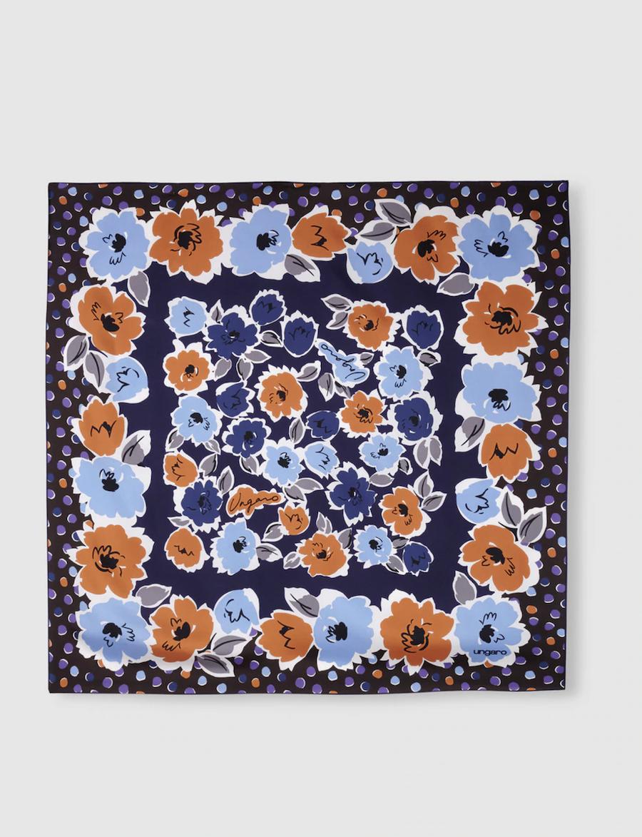 Pañuelo de seda Ungaro azul marino con estampado floral