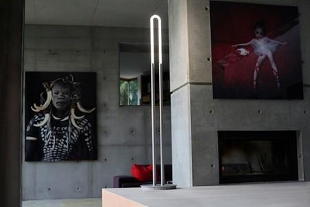 UTL, una lámpara de pie moderna e ideal para espacios pequeños