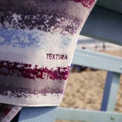 Foto 28 de 28 de la galería let-s-beach-con-textura-caeras-rendida-a-sus-accesorios en Trendencias