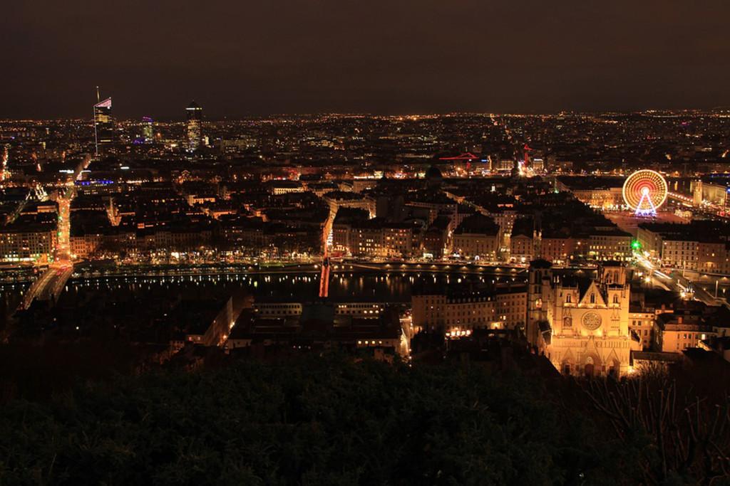 Lyon noche