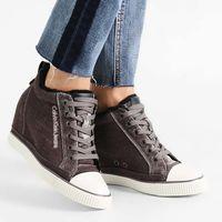 Zapatillas Calvin Klein rebajadas un 40%, ahora por sólo 59,95 euros y los gastos de envío gratuito